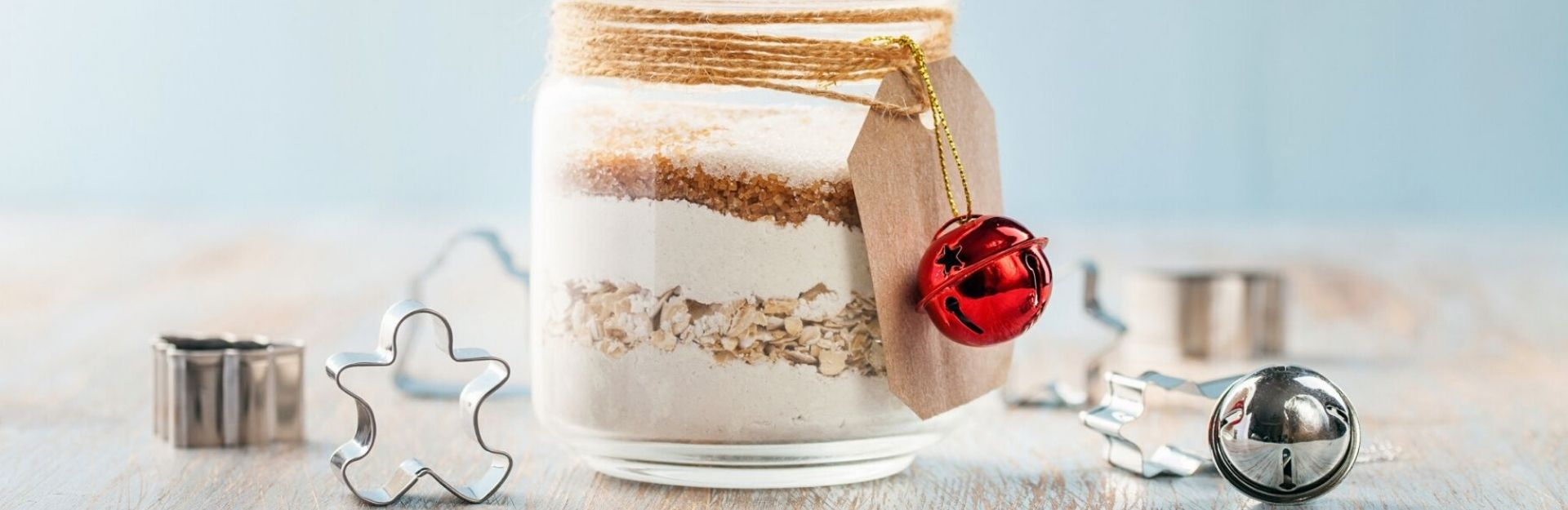 a homemade cookie recipe jar, an example of diy holiday gifts